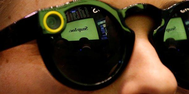 Snap mise sur la realite augmentee avec de nouvelles lunettes[reuters.com]
