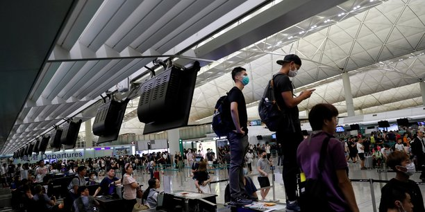 Reprise des activites a l'aeroport de hong kong au lendemain de heurts[reuters.com]
