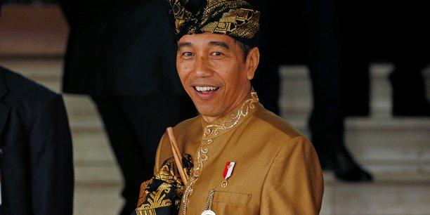 Le president indonesien propose de transferer la capitale a borneo[reuters.com]