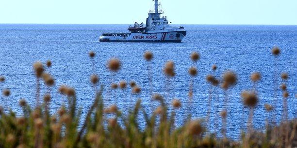 Les 134 migrants recueillis a bord de l'open arms sont en danger, selon l'ong[reuters.com]