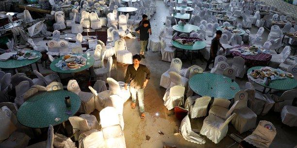 Attentat suicide lors d'un mariage a kaboul, 63 morts, 182 blesses[reuters.com]
