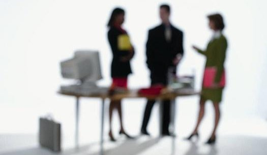 Pour faire de la place aux femmes dans l'économie, il existe aussi des incitations économiques. (Reuters)