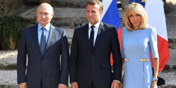 Macron appelle au respect de la liberte de manifester en russie[reuters.com]