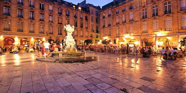 Place du Parlement à Bordeaux - Copyright bordeaux-tourisme.com