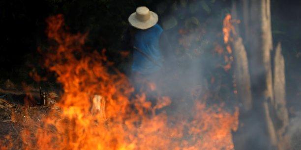 Feux en amazonie: bolsonaro denonce des interferences etrangeres[reuters.com]