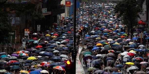 Ocean de parapluies a hong kong pour une nouvelle journee d'action[reuters.com]