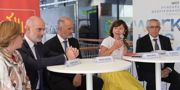 A. Lépinois (DG de Computacenter France), entouré de C. Delga (présidente de Région), L. Gauze (PMI), J.-M. Pujol (maire de Perpignan) et H. Malherbe (présidente du Département des P.-O.)