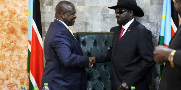 Riek Machar, Premier vice-président du Sud-Soudan (non encore officiellement nommé) et Salva Kiir, président du Sud-Soudan.