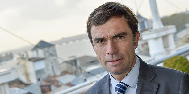 Bernard Farges, qui a déjà présidé le Conseil interprofessionnel du vin de Bordeaux (CIVB) de 2013 à 2016, a été à nouveau désigné président pour trois ans en juillet 2019.