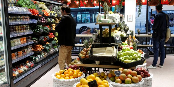 L'inflation sur un an revue en legere baisse a 1,0% en aout[reuters.com]