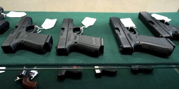 Etats-unis: une centaine de pdg demandent au senat d'agir sur les armes[reuters.com]