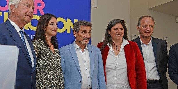 Mohed Altrad annonce sa candidature, entouré de plusieurs membres de son comité de soutien