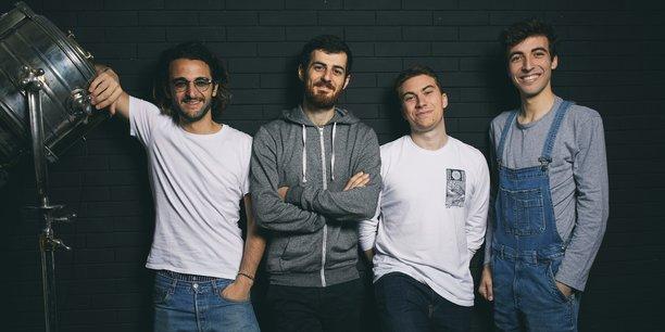 Les co-fondateurs de Groover, plateforme française de promotion musicale (de gauche à droite : Rafael Cohen, Jonas Landman, Romain Palmieri et Dorian Perron). Crédit photo : Christophe Meireis.