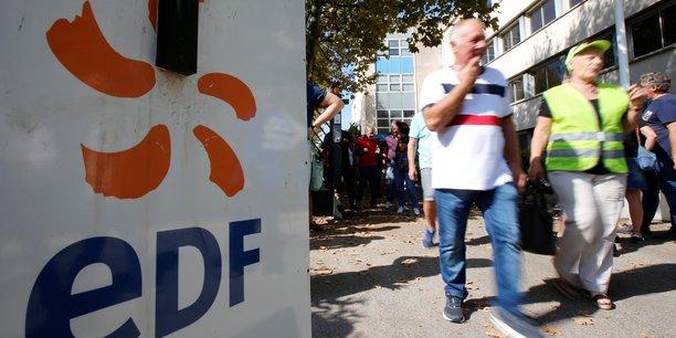 Pres d'un tiers des agents d'edf en greve a la mi-journee[reuters.com]
