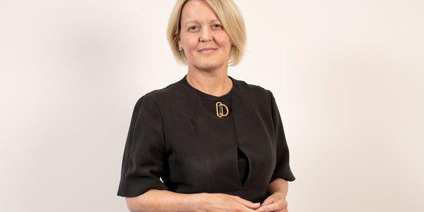 Une femme dirigera rbs, une premiere pour une grande banque britannique[reuters.com]