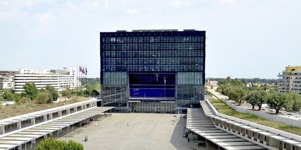 Triangulaire en vue pour la prise de l'Hôtel de ville de Montpellier.