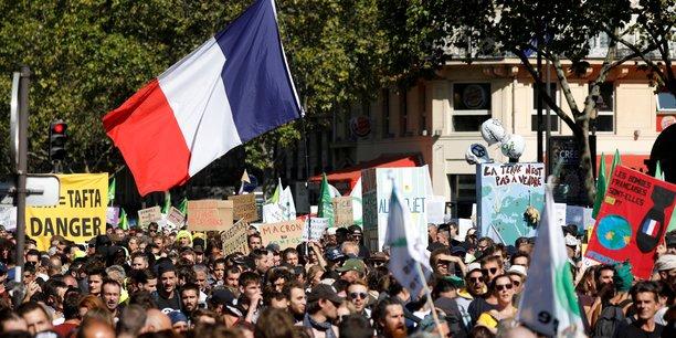 Debordements de black blocs dans la marche de paris pour le climat[reuters.com]