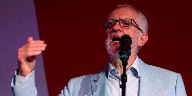 Brexit: corbyn s'en remettra a la decision du labour[reuters.com]