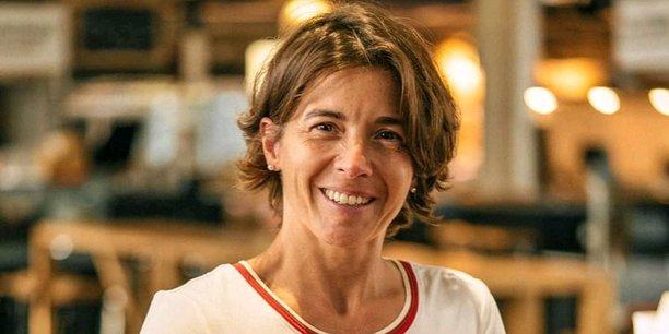 Céline Martin-Pariès, directrice générale de la société Pariès, est la 5e génération à piloter cette entreprise de fabrication de gâteaux basques.