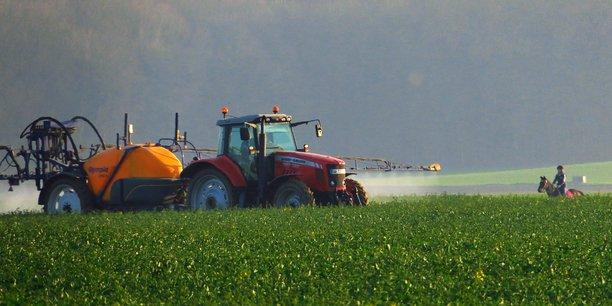 En mars, un céréalier de l'Ain a été agressé par un riverain, alors qu'il était en train d'épandre de l'herbicide.