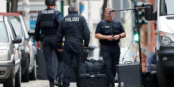 Allemagne: deux morts dans des fusillades a halle, un suspect arrete[reuters.com]