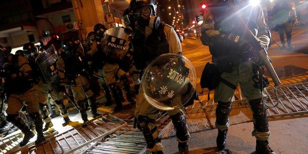Hong kong: apple retire une application utilisee pour tracer la police[reuters.com]