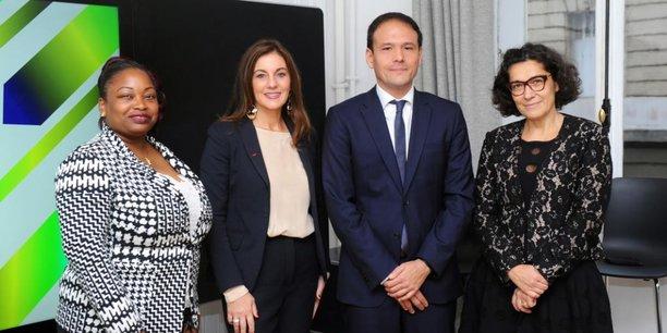 Cédric O, Secrétaire d'Etat français au Numérique, accompagné par des membres de la JFD.