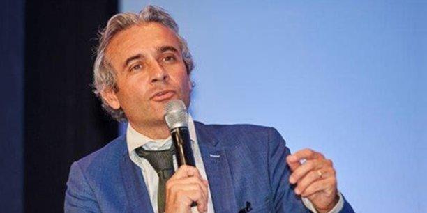 Mathieu Flonneau est maître de conférences en histoire contemporaine à l'université Paris I Panthéon-Sorbonne.