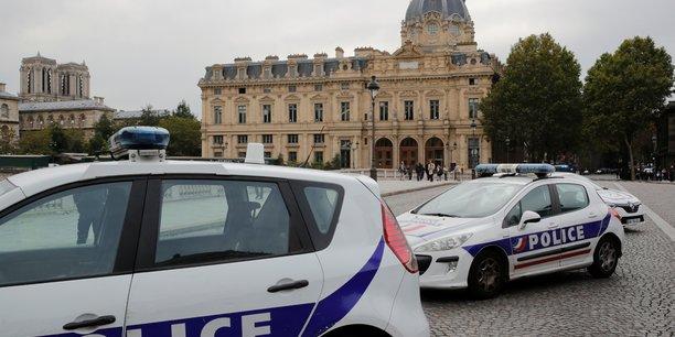 Tuerie de la prefecture de paris: les trois dernieres gardes a vue levees[reuters.com]