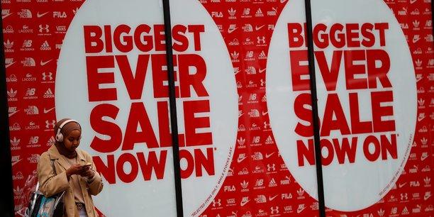 La croissance annuelle des ventes au detail ralentit au 3e trimestre en grande-bretagne[reuters.com]