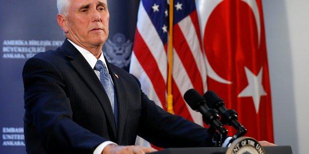 Le président Trump et le président Erdogan portent la responsabilité de ce qui est in fine une victoire des parrains d'Astana : Turcs, Russes et Iraniens, amenés à se partager le Nord-Est selon une forme qui reste à déterminer, a fait observer le ministre des Affaires étrangères, Jean-Yves Le Drian.