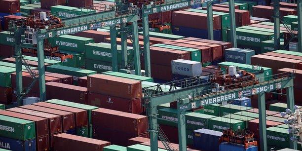 Japon: baisse des exportations pour un dixieme mois consecutif[reuters.com]