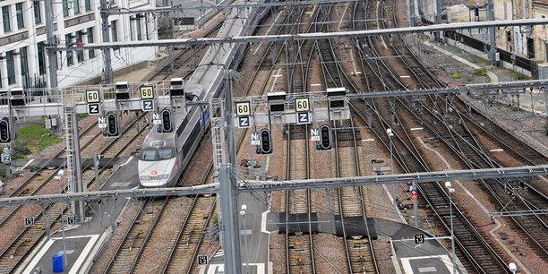 La LGV Tours-Bordeaux a permis de faire sauter le bouchon ferroviaire au nord de Bordeaux, il reste celui au sud de la gare Saint-Jean.