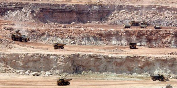 Mines à ciel ouvert exploitées par Orano au Niger.