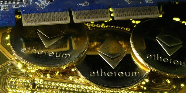 Les jeunes startupeurs ont la possibilité de créer une crypto-monnaie pour leur projet innovant grâce à quelques lignes de code, suivant le standard ERC20 publié sur la blockchain Ethereum.