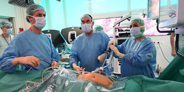Le guidage visuel du chirurgien conçu par Sofradir, à Grenoble, a suscité l'intérêt du Cancéropôle Lyon Auvergne-Rhône-Alpes.