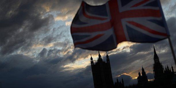 Johnson va dissoudre le parlement, promettre de realiser le brexit[reuters.com]
