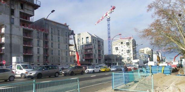 Malgré ses nombreuses constructions la ville manque de logements intermédiaires.