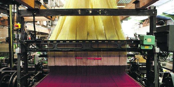 La maison Roze est la troisième entreprise française en termes de parc de machines, avec 25 métiers à tisser.
