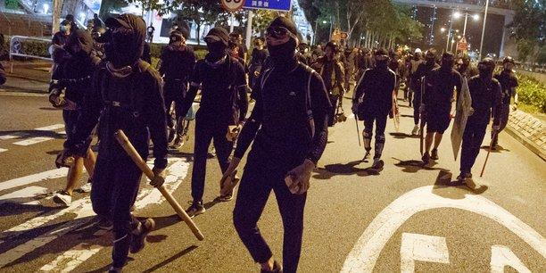Nouveau week-end de manifestations a hong kong apres la mort d'un etudiant[reuters.com]