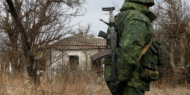 L'armee ukrainienne et les separatistes evacuent petrivske[reuters.com]