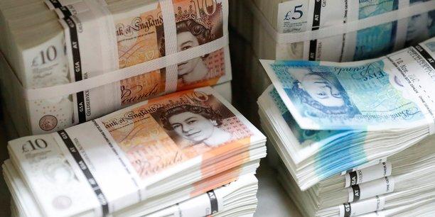 L'économie britannique continue de ralentir