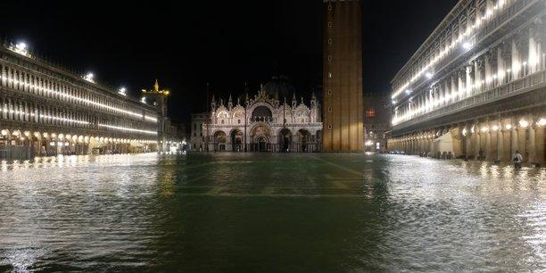 Fortes pluies en italie, venise sous les eaux[reuters.com]