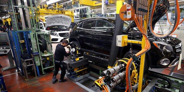 La production industrielle en septembre depasse les attentes[reuters.com]