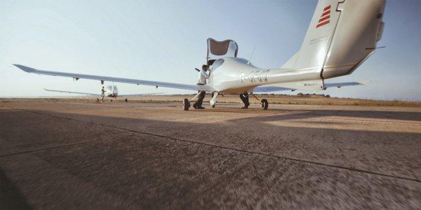Le tarmac de l'école de pilotage d'Airways Aviation, à Huesca (Espagne)