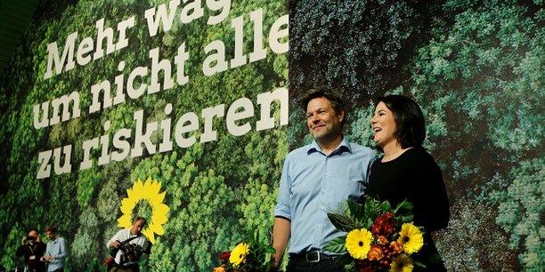 Robert Habeck et  Annalena Baerbock après leur réélection samedi 16 novembre.