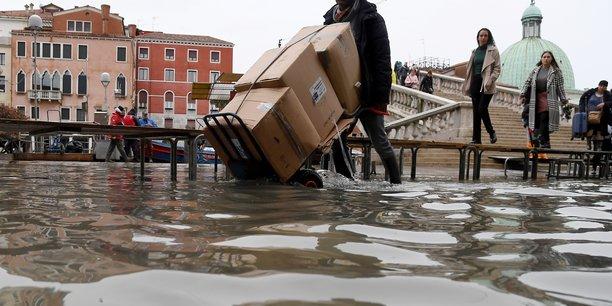 Venise se prepare a une nouvelle maree exceptionnelle[reuters.com]