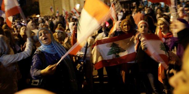 Liban: les manifestations continuent, la crise politique s'aggrave[reuters.com]