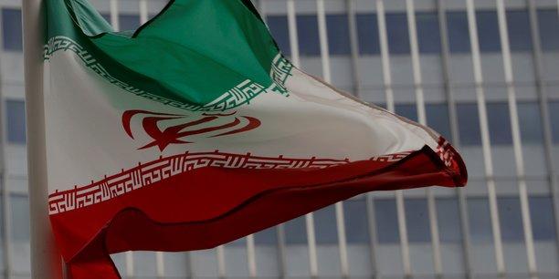 Nucleaire: le stock iranien d'eau lourde depasse la quantite autorisee[reuters.com]