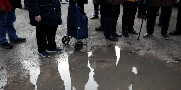 Deficit des retraites de 7,9 a 17,2 milliards d'euros en 2025[reuters.com]